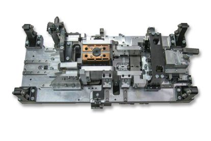 Workpiece carrier: complex clamping system for individual parts to be joined